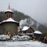 Manastirea Prislop iarna